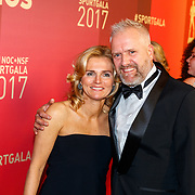 NLD/Amsterdam/20171219 - Inloop NOC/NSF Sportgala 2017, Sarina Wiegman en partner