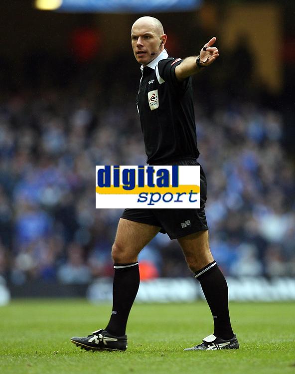Photo: Rich Eaton.<br /> <br /> Chelsea v Arsenal. Carling Cup Final. 25/02/2007. referee Howard Webb