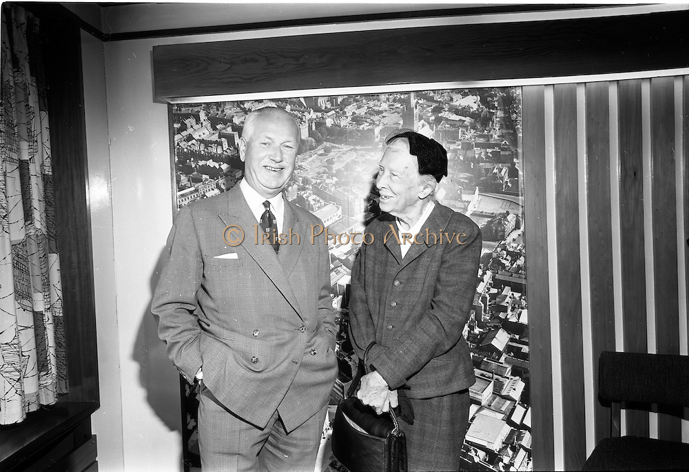 19/09/1967<br /> 09/19/1967<br /> 19 September 1967<br /> Dr Lilian Gilbreth American psychologist and industrial engineer,  visits Jacobs offices, Dublin. Picture shows (l-r): Mr Edward C. Bewley, Managing Director, Jacobs and Dr Lilian Gilbreth.