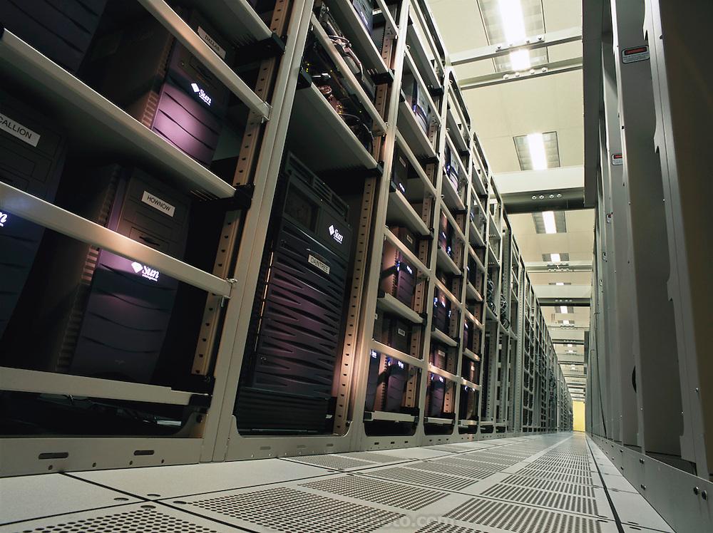 Sun Microsystems, Silicon Valley, California;.Computer server ranch for chip design. (1999).