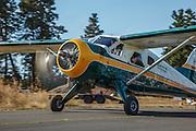 De Havilland Beaver taxiing at 2014 Hood River Fly-In at WAAAM.