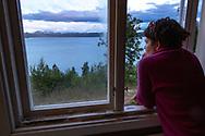VILDMARKSVÄGEN JULI 2020<br /> Room with a view under helgens tur efter Vildmarksvägen.<br /> Vi hyrde en liten stuga på Camp Stora Blåsjön med fantastisk utsikt.<br /> Foto: Per Danielsson/Projekt.P