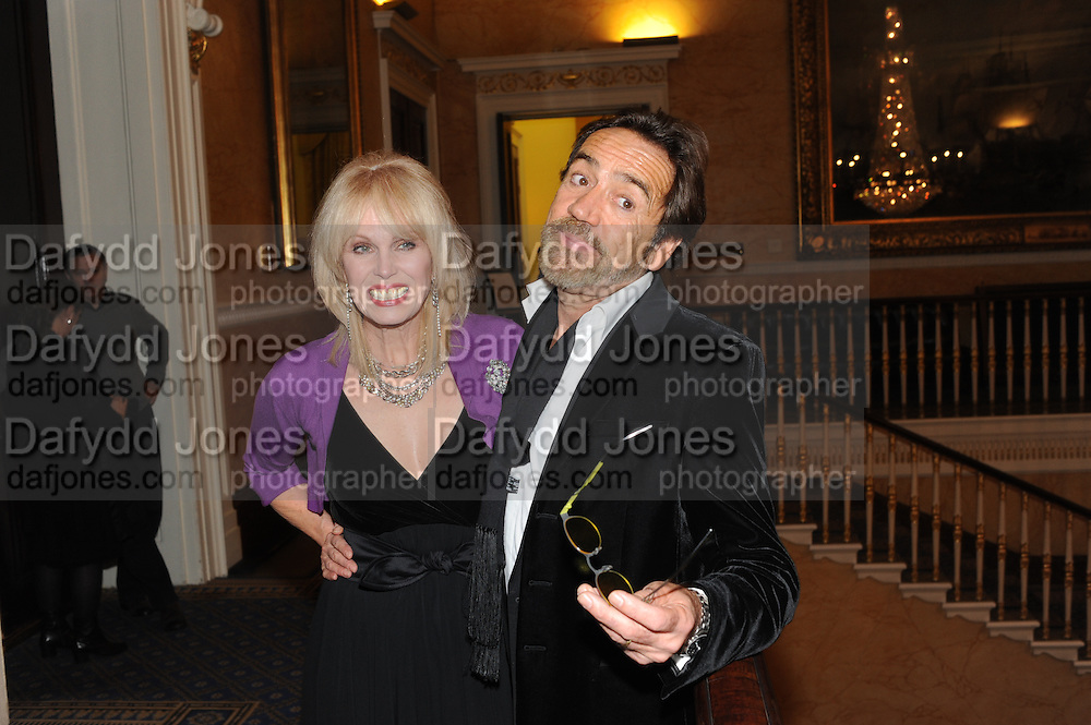 JOANNA LUMLEY; ROBERT LINDSAY, Party following the Theatre Royal press night performance of The Lion in Winter , The Institute of Directors. London. 15 November 2011. <br /> <br />  , -DO NOT ARCHIVE-© Copyright Photograph by Dafydd Jones. 248 Clapham Rd. London SW9 0PZ. Tel 0207 820 0771. www.dafjones.com.