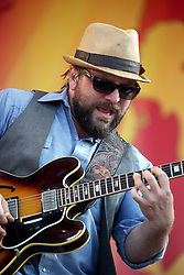 04 May 2012. New Orleans, Louisiana,  USA. .New Orleans Jazz and Heritage Festival. .Coy Bowles of the Zac Brown Band..Photo; Charlie Varley.