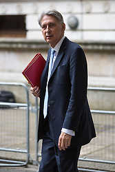 © Licensed to London News Pictures . 05/07/2016 . London , UK . PHILIP HAMMOND arrives . Conservative Party cabinet meeting on Downing Street , London . Photo credit: Joel Goodman/LNP