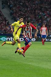 October 28, 2017 - Madrid, Spain - Correa control the ball..Draw at 1 in Wanda Metropolitano stadium. (Credit Image: © Jorge Gonzalez/Pacific Press via ZUMA Wire)