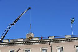 April 19, 2018 - Stockholm, Sweden - Solar panels are installed on the roof of the Royal Palace, Stockholm, Sweden 2018-04-19.(c) Ola Axman / IBL BildbyrÃ¥..Solceller installeras pÃ¥ slottets tak,  Kungliga slottet, Stockholm, 2018-04-19. (Credit Image: © Ola Axman/IBL via ZUMA Press)