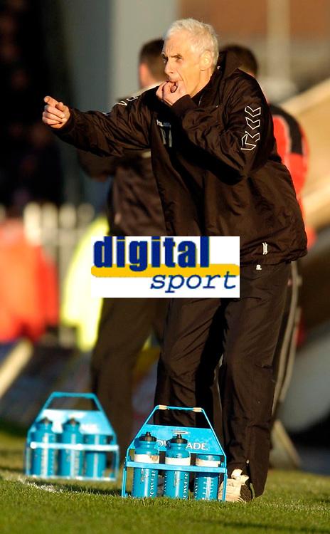 Photo: Leigh Quinnell.<br /> Milton Keynes Dons v Barnet. Coca Cola League 2. 20/01/2007. Barnet boss Paul Fairclough on the touch line.