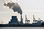 Nederland, the Netherlands, 7-2-2018Zicht op de kolencentrale van Engie op de Maasvlakte bij Rotterdam vanaf de nieuwe waterweg bij Hoek van Holland .Foto: Flip Franssen