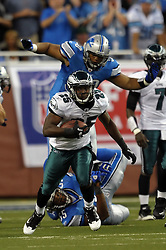 DETROIT - SEPTEMBER 19: Running back LeSean McCoy #25 of the Philadelphia Eagles runs the ball during the game against the Detroit Lions on September 19, 2010 at Ford Field in Detroit, Michigan. The Eagles won 35-32. (Photo by Drew Hallowell/Getty Images)  *** Local Caption *** LeSean McCoy