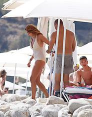 Ibiza: Ruud Gullit and Maggie Jimenez on the beach - 24 July 2017