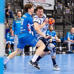 Magnus Abelvik Rod (SG Flensburg-Handewitt #77) ; Fynn-Luca Nicolaus (TVB Stuttgart #19) ; LIQUI MOLY HBL / 1. Handball-Bundesliga: TVB Stuttgart - SG Flensburg-Handewitt am 09.06.2021 in Stuttgart (PORSCHE Arena), Baden-Wuerttemberg, Deutschland<br /> <br /> Foto © PIX-Sportfotos *** Foto ist honorarpflichtig! *** Auf Anfrage in hoeherer Qualitaet/Aufloesung. Belegexemplar erbeten. Veroeffentlichung ausschliesslich fuer journalistisch-publizistische Zwecke. For editorial use only.