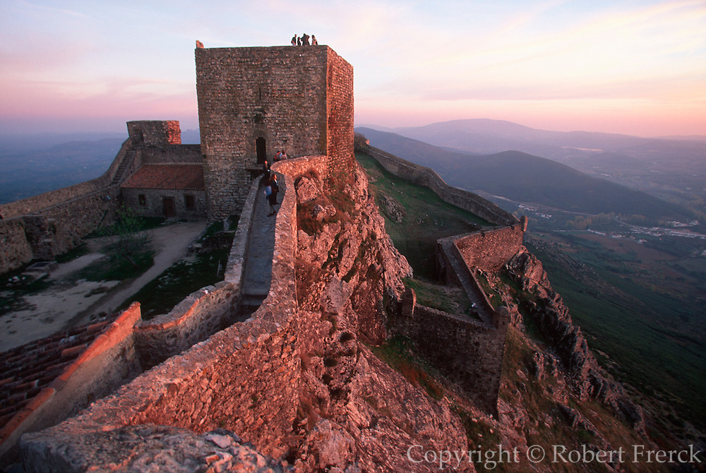 PORTUGAL, EAST CENTRAL Marvao, medieval walled hilltown, on the border with Spain; 13thC castle above the surrounding landscape