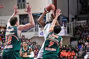 DESCRIZIONE : Eurocup 2014/15 Last32 Dinamo Banco di Sardegna Sassari -  Banvit Bandirma<br /> GIOCATORE : Jerome Dyson<br /> CATEGORIA : Tiro<br /> SQUADRA : Dinamo Banco di Sardegna Sassari<br /> EVENTO : Eurocup 2014/2015<br /> GARA : Dinamo Banco di Sardegna Sassari - Banvit Bandirma<br /> DATA : 11/02/2015<br /> SPORT : Pallacanestro <br /> AUTORE : Agenzia Ciamillo-Castoria / Luigi Canu<br /> Galleria : Eurocup 2014/2015<br /> Fotonotizia : Eurocup 2014/15 Last32 Dinamo Banco di Sardegna Sassari -  Banvit Bandirma<br /> Predefinita :
