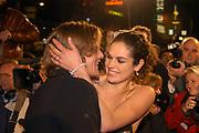 Tygo Gernandt en Anna Drijver aanwezig op de premiere van Bridget Jones , The Edge of Reason.<br /> <br /> Renée Zellweger, Hugh Grant en Colin Firth zijn weer bij elkaar voor de romantische komedie BRIDGET JONES: THE EDGE OF REASON. Het verwachte vervolg op BRIDGET JONES'S  DIARY.