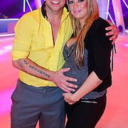 NLD/Hilversum/20130105 - 2de Liveshow Sterren Dansen op het IJs 2013, Andy van der Meyde en partner zwangere Melisa Schaufeli
