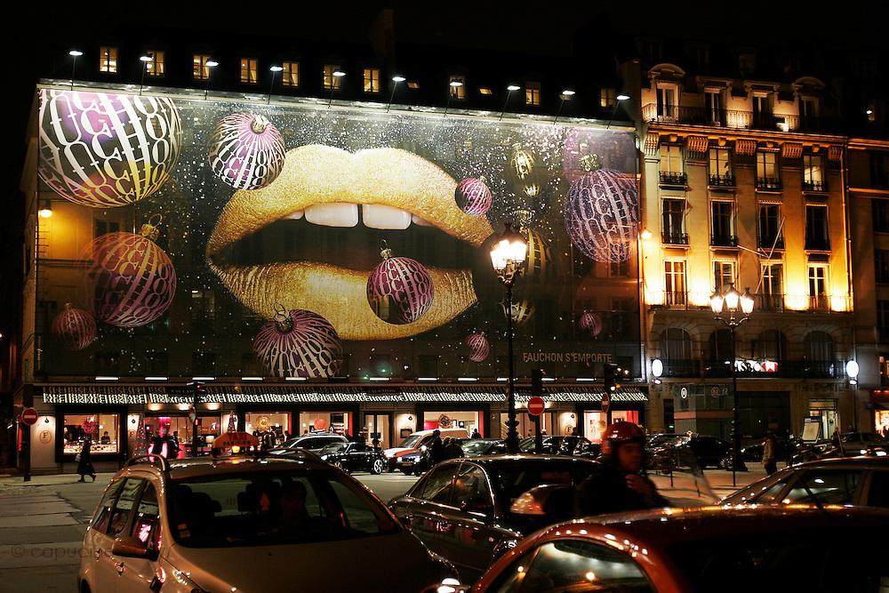Paris, France. December 19th 2005..Christmas atmosphere.
