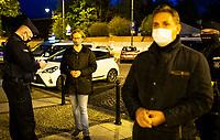 Bialystok, 17.05.2020. Protest pod bialostocka kuria archidiecezjalna pod haslem DOSC ZABAWY W CHOWANEGO, przez co dzialacze Lewicy chca okazac solidarnosc z ofiarami ksiezy pedofili N/z policja spisala wszystkich uczestnikow protestu, Pawel Krutul ( P ) posel Lewicy fot Michal Kosc / AGENCJA WSCHOD