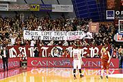 DESCRIZIONE : Venezia Lega A 2014-15 Umana Reyer Venezia EA7 Emporio Armani Milano<br /> GIOCATORE : Tifosi Umana Reyer Venezia<br /> CATEGORIA : Tifosi Pubblico<br /> SQUADRA : Umana Reyer Venezia EA7 Emporio Armani Milano<br /> EVENTO : Campionato Lega A 2014-2015<br /> GARA : Umana Reyer Venezia EA7 Emporio Armani Milano<br /> DATA : 09/02/2015<br /> SPORT : Pallacanestro <br /> AUTORE : Agenzia Ciamillo-Castoria/G. Contessa<br /> Galleria : Lega Basket A 2014-2015 <br /> Fotonotizia : Venezia Lega A 2014-15 Umana Reyer Venezia EA7 Emporio Armani Milano