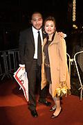 La Vie en Rose in première in theater Tuschinski, Amsterdam. De film kreeg haar wereldpremière als openingsfilm van het prestigieuze Filmfestival van Berlijn.EEn film over het bewogen en gepassioneerde levensverhaal van Edith Piaf.<br /> <br /> Op de foto:  Everon Jackson Hooi