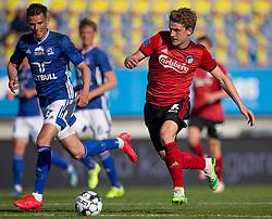 Jens Stage (FC København) følges af Pascal Gregor (Lyngby Boldklub) under kampen i 3F Superligaen mellem Lyngby Boldklub og FC København den 1. juni 2020 på Lyngby Stadion (Foto: Claus Birch).