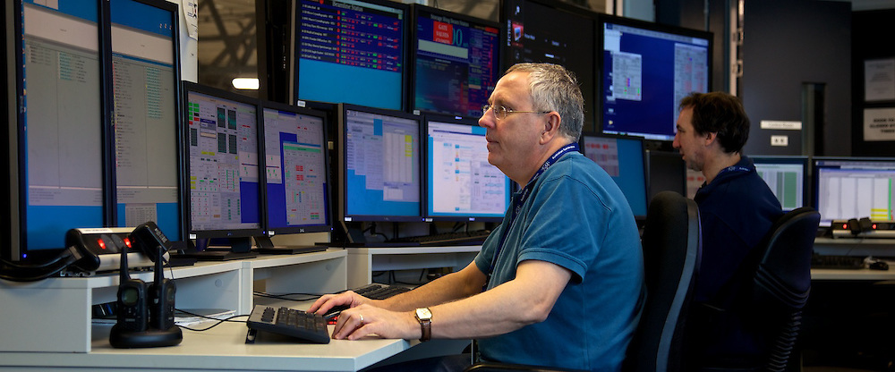Australian Synchrotron.   Dr Peter Jones and Dr Mark Atkinson, Accelerator Operators, Machine Operations