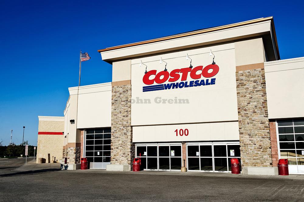 Costco discount shopping club.