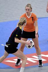 05-02-2006 KORFBAL: NEDERLAND - BELGIE: DRIEBERGEN<br /> Nederland wint met 21-12 van Belgie / Barbara Schouls<br /> ©2006-WWW.FOTOHOOGENDOORN.NL