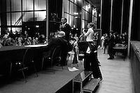 Bertrand  Delanoë (maire de Paris de 2001 à 2014) -avec Georges Sarre - donne un compte-rendu de son mandat, Paris 11ème / 2004.