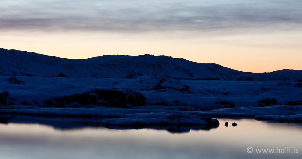 Lake Thingvallavatn early morning at winter - Þingvallavatn snemma morguns