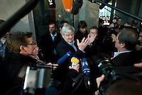 18 DEC 2008, BERLIN/GERMANY:<br /> Joschka Fischer, B90/gruene, Bundesminister a.D., im Gespraech mit Journalisten, waehrend einer Vernehmungspause, 1. Untersuchungsausschuss des Deutschen Bundestags, sog. BND-Auschuss, Anhoerungssaal, Marie-Elisabeth-Lueders-Haus, Deutscher Bundestag<br /> IMAGE: 20081218-01-053<br /> KEYWORDS: Mikrofon, microphone, Kamera, Camera
