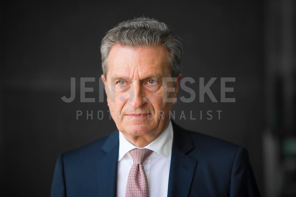DEU, Deutschland, Germany, Berlin, 19.04.2018: Portrait von EU-Haushaltskommissar Günther H. Oettinger (CDU).