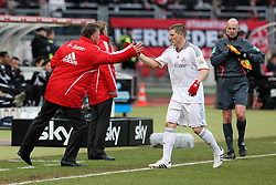 20.02.2010, EasyCredit Stadion, Nürnberg, GER, 1. FBL, 1. FC Nuernberg vs FC Bayern Muenchen, Saison 09 10, im Bild Bastian Schweinsteiger (Bayern #31) klatscht ab mit Trainer Louis van Gaal (Bayern) nach dem 1:0 . EXPA Pictures © 2010 for Austria, Italy and GBR only, Photographer EXPA / NPH  / Becher / for Slovenia SPORTIDA PHOTO AGENCY.