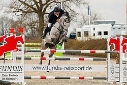 08.2, Youngster-Springprfg. Kl. M* 8j. Pferde, Ehlersdorf, Reitanlage Jörg Naeve, 29.04. - 02.05.2021,, Jan Philipp Schulz (GER), Salzlinde,