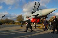"""03 NOV 2003, LAAGE/GERMANY:<br /> Gerhard Schroeder, SPD, Bundeskanzler, vor einem  Eurofighter EF 2000 """"Typhoon"""", auf dem Weg zu einem Pressestaement, im Rahmen eines Besuches der Luftwaffe, Fliegerhorst Laage<br /> IMAGE: 20031103-01-056<br /> KEYWORDS: Bundeswehr, Bundesluftwaffe, Jet, Kampfflugzueg, Gerhard Schröder, Flugzeug, plane"""
