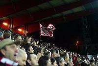 Fotball , 22. oktober 2006 , Tippeligaen , Brann - Rosenborg 3-1<br /> illustrasjon ,   Brann stadion , tilskuere , fan , fans , tilskuer , tribune , flagg , folk