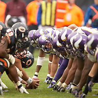 Minnesota Vikings vs Chicago Bears at Soldier Field in Chicago, Ill on Sunday, October 14, 2007. .Vikings won 34-31..Peterson Record rushing 224 yards, Longwell Record 50+ yard field goal to win the game