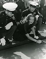 1950 Bette Davis' ceremony at Grauman's Chinese Theatre