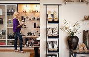 Ituiutaba_MG, Brasil...Comercio calcadista da cidade de Ituiutaba, Minas Gerais. Na foto uma loja de calcados...The footwear commerce in Ituiutaba, Minas Gerais.In this photo, the footwear store...Foto: BRUNO MAGALHAES / NITRO