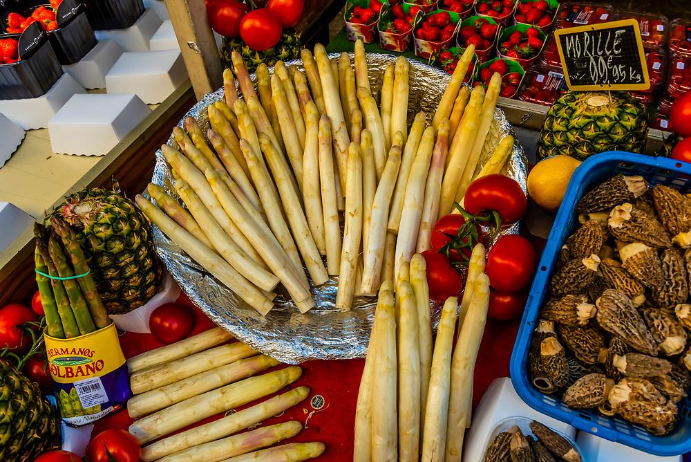 White asparagus for sale at street market on Rue Cler, Paris, France.