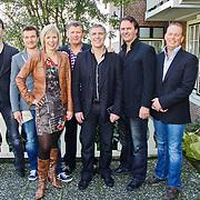 NLD/Volendam/20101018 - Cd presentatie Mon Amour, bandleden bestaande uit Jack Veerman, Peter de Haan, Linda Schilder, Hans Keizer, Nico Tol, Daniel Metz, Jan Sombroek