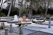 Nederland, Den Haag - 3 maart 2021: Algemene begraafplaats Kerkhoflaan.    Netherlands, The Hague - March 3, 2021: Kerkhoflaan General Cemetery