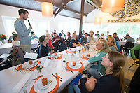 BLOEMENDAAL - Jaap Stockmann aan het woord.  Oud internationals Eby Kessing, Ronald Brouwer en Nick Meijer, alle spelers van Bloemendaal, namen afscheid met een afscheidsdrieluik. COPYRIGHT KOEN SUYK
