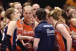 09-01-2016 TUR: European Olympic Qualification Tournament Rusland - Nederland, Ankara<br /> De Nederlandse volleybalsters hebben de finale van het olympisch kwalificatietoernooi tegen Rusland verloren. Oranje boog met 3-1 voor de Europees kampioen (25-21, 22-25, 25-19, 25-20) / Debby Stam-Pilon #16, Judith Pietersen #8, Femke Stoltenborg #2, Coach Giovanni Guidetti