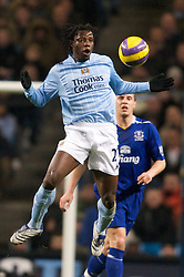 MANCHESTER, ENGLAND - Monday, February 25, 2008: Manchester City's Mwaruwari Benjani in action against Everton during the Premiership match at the City of Manchester Stadium. (Photo by David Rawcliffe/Propaganda)