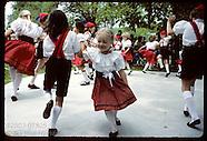 18: RHINELAND HERMANN CHILD DANCERS