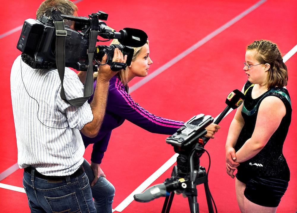 Nederland, Den Bosch, 02-06-2012.<br /> Special Olympics, Spelen voor geestelijk gehandicapten.<br /> Turnen, Vrouwen. Even een interview voor Omroep Brabant.<br /> Foto : Klaas Jan van der Weij