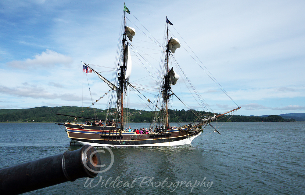 Looking past the cannon at the Lady Washington.