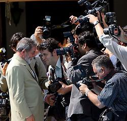 O presidente da Repúbilca Luiz Inacio Lula da Silva atende os fotógrafos na Granja do Torto.  FOTO: Jefferson Bernardes/Preview.com