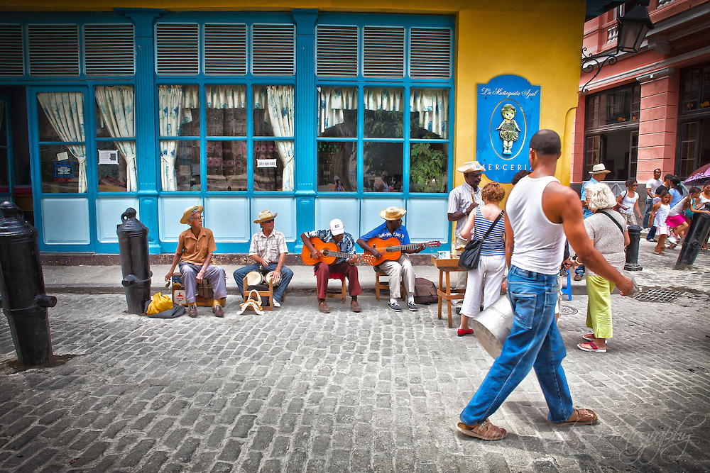 The streets of Havana are alive with music, which give it such an upbeat, calypso vibe.